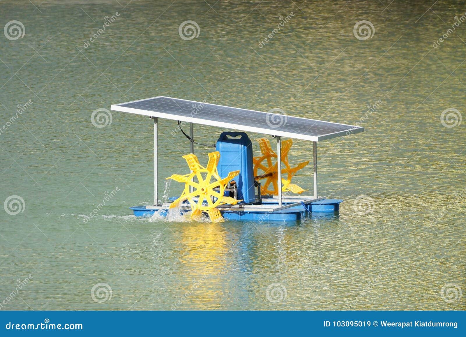 Аэратор колеса затвора используя панель солнечной энергии
