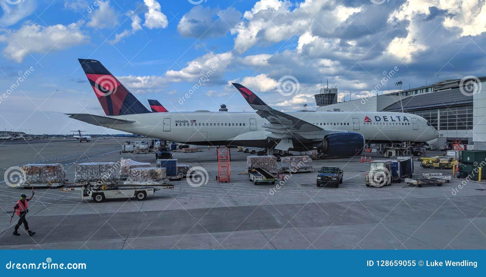 Аэробус A350-900 N506DN перепада