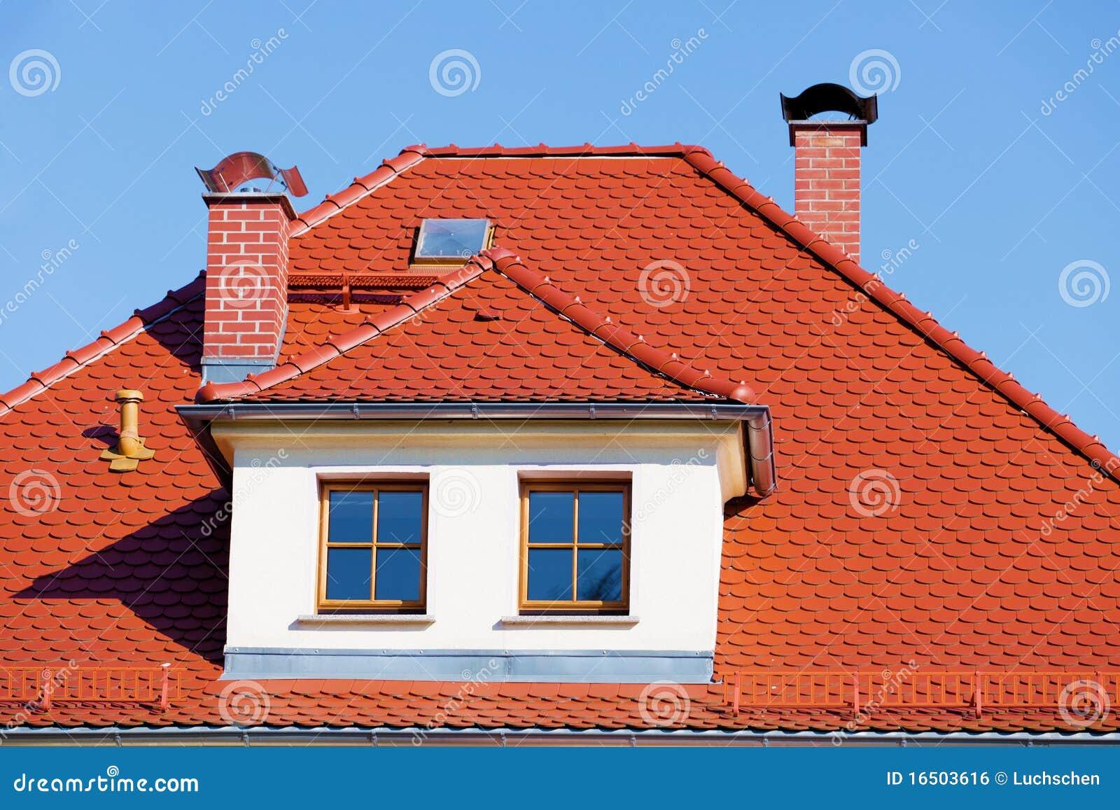 ая черепицей крыша