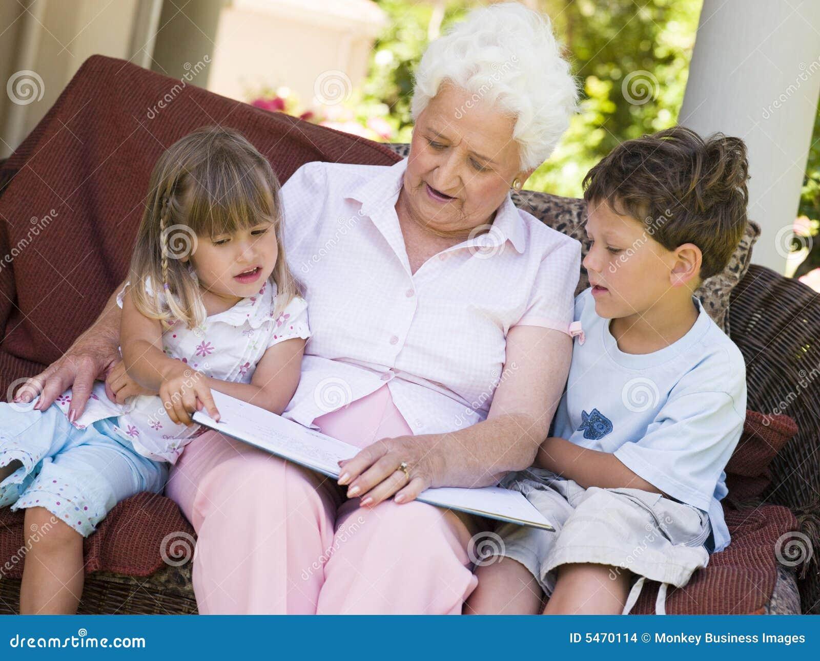 Русская бабушка и внук 7 фотография