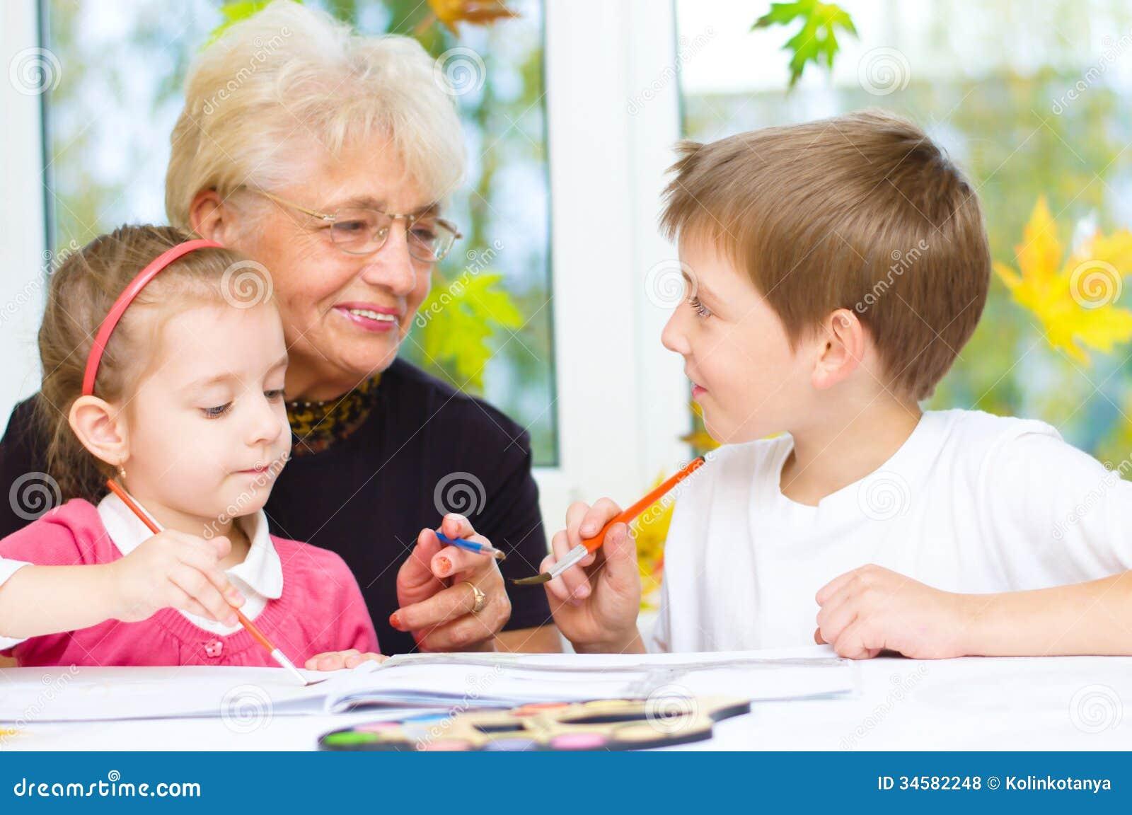 Бабушка со внуками смотреть бесплатно фото 17-855