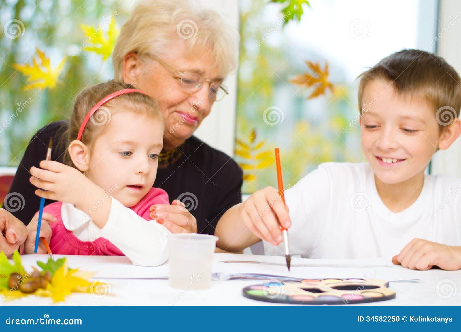 Бабушка со внуками смотреть бесплатно фото 113-905