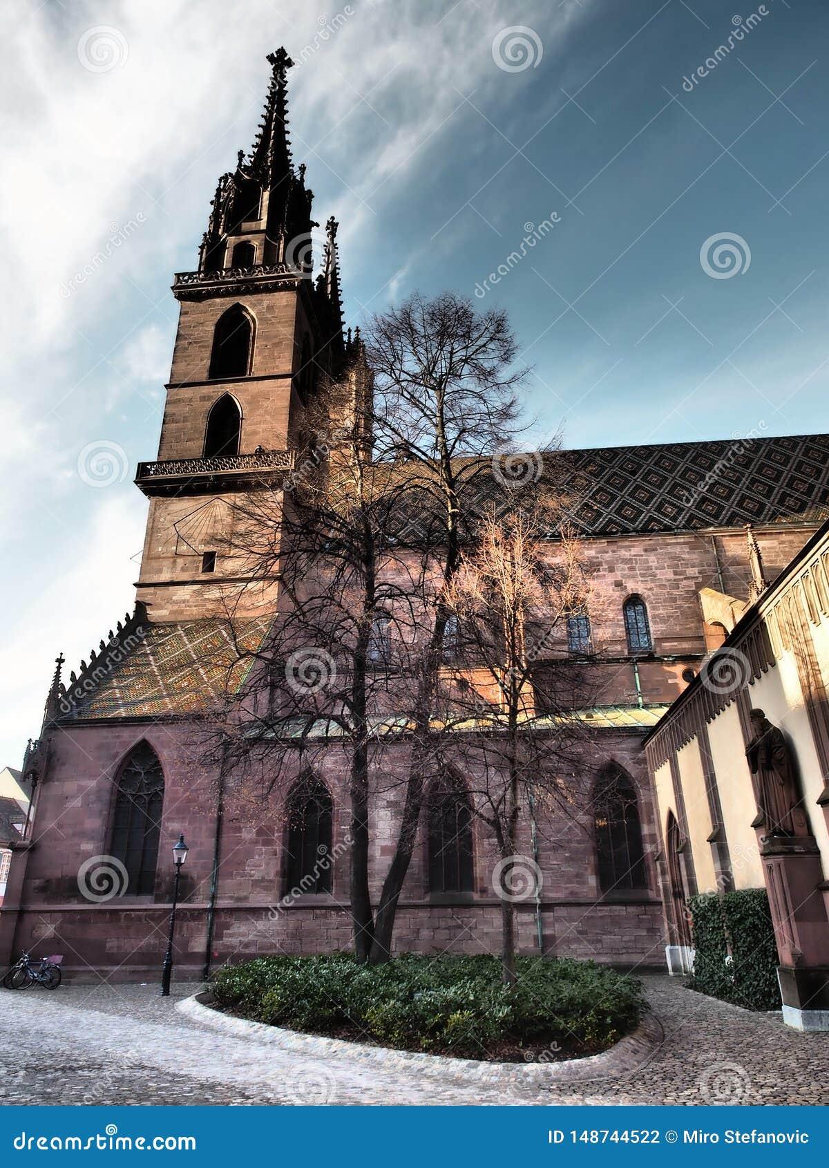 Базель - монастырская церковь - Швейцария 2019