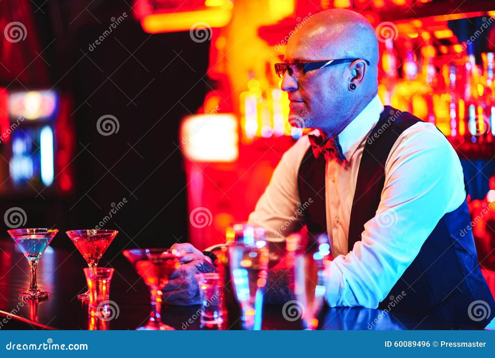 Барменом в ночном клубе москву в ночной клубе секс