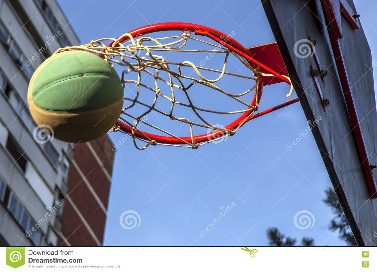 Баскетбольный матч улицы