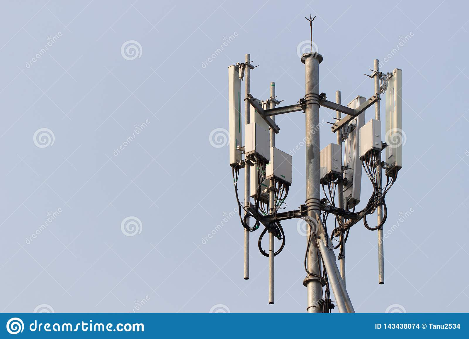 Башня базовой станции мобильного телефона