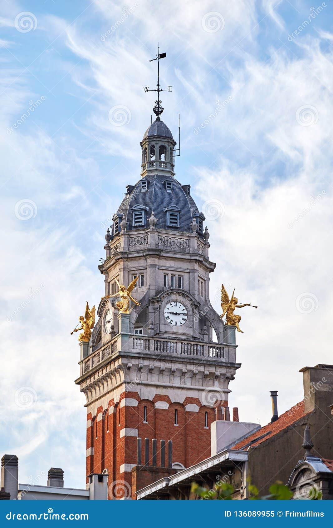Башня с часами в муниципалитете Свят-Gilles