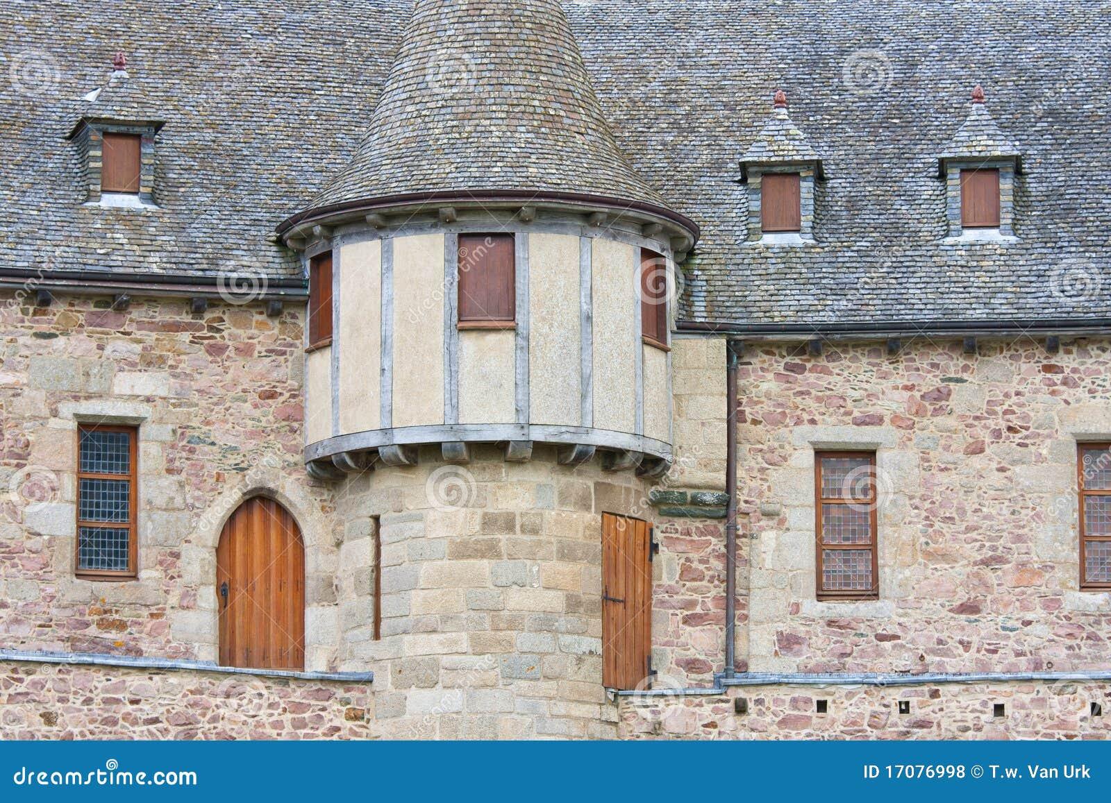башня фасада замока средневековая