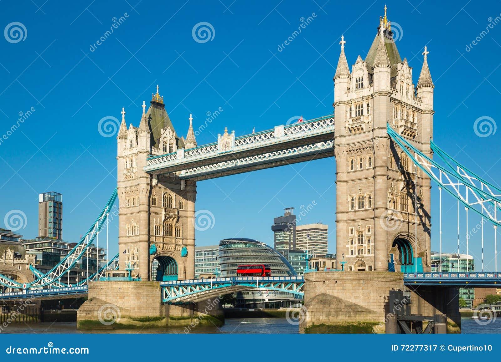 Download башня bridge1 стоковое изображение. изображение насчитывающей символ - 72277317