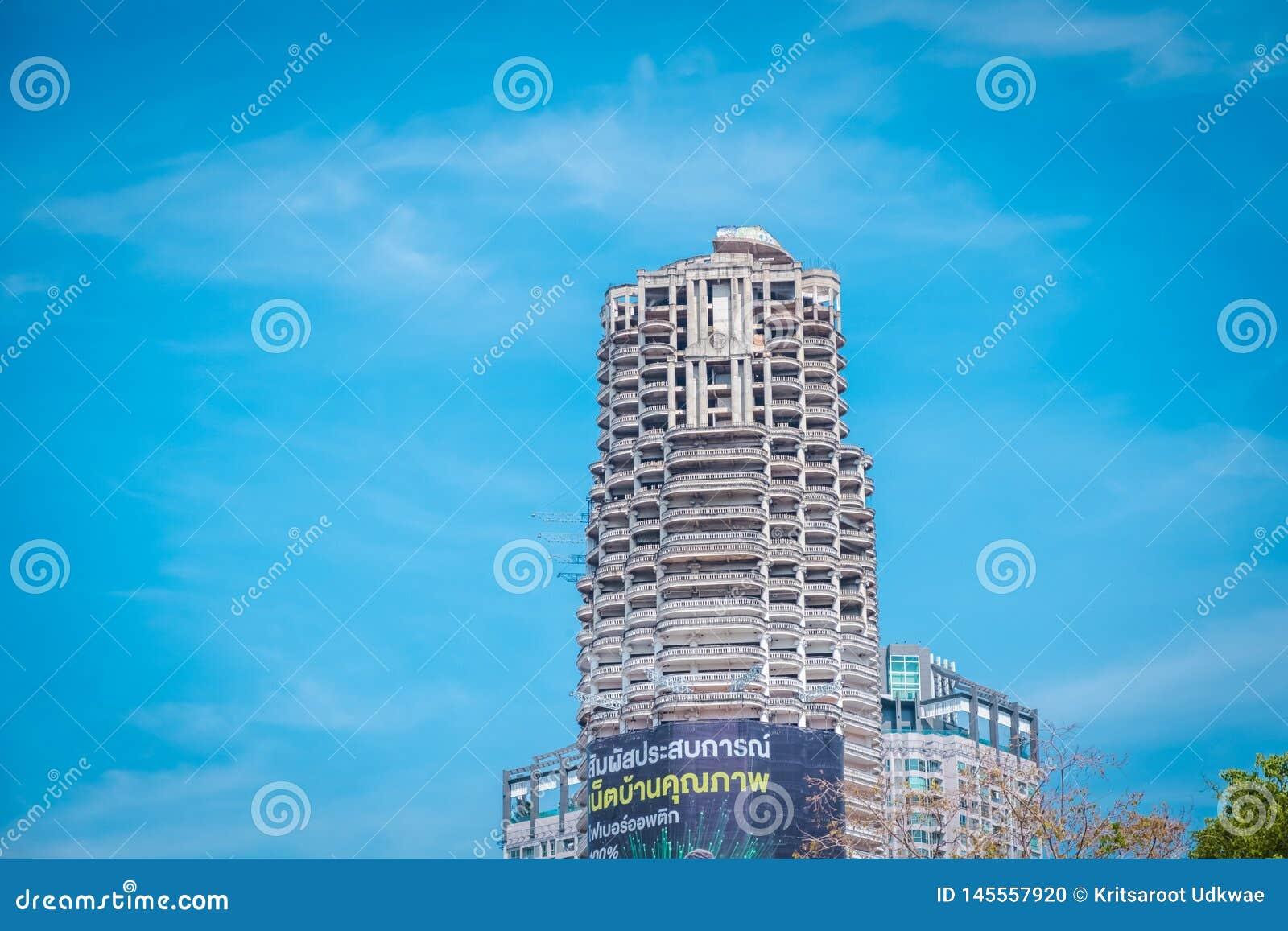 Башня Sathorn уникальная Откажитесь от здания на Бангкоке, Таиланде