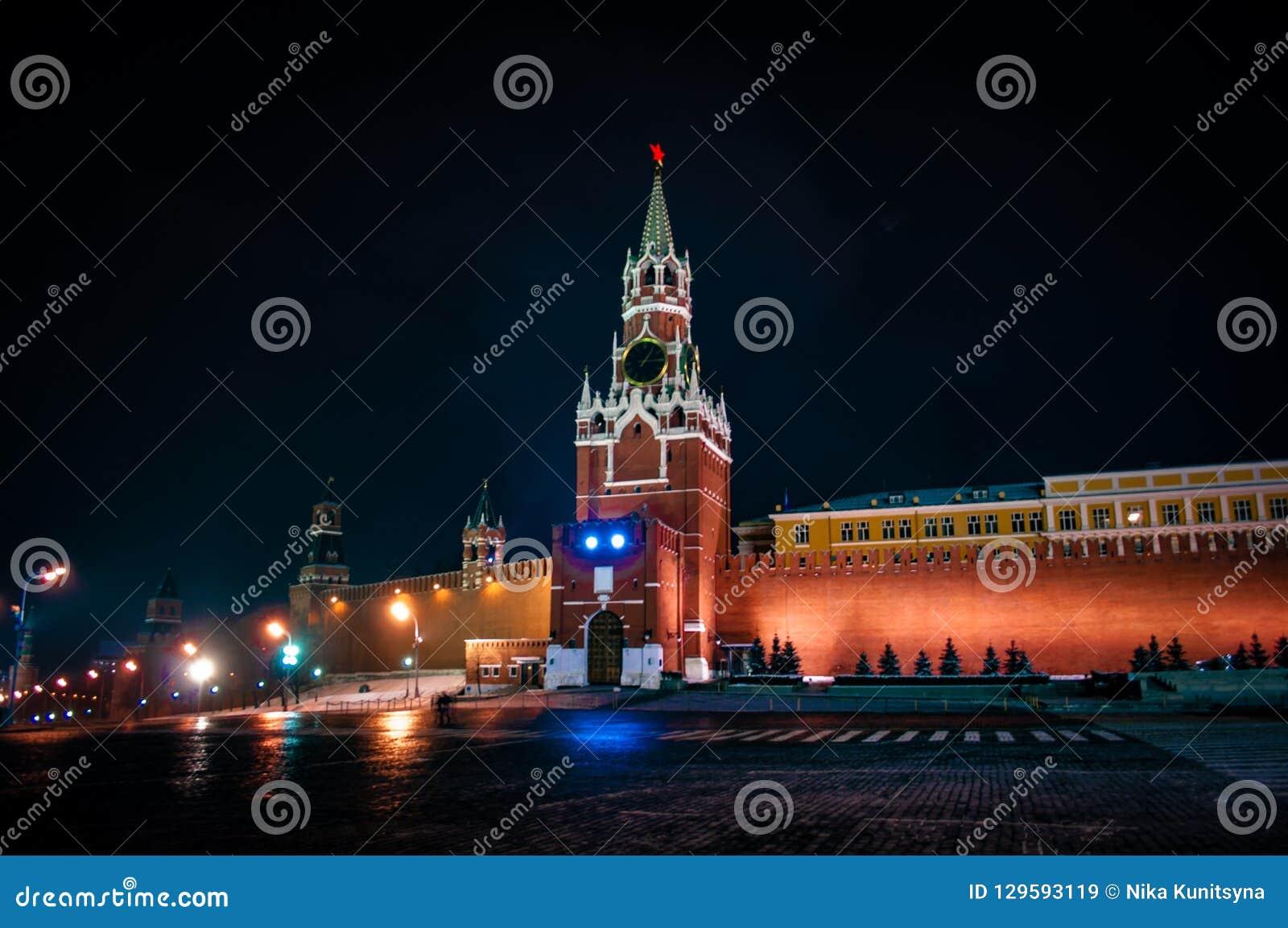 Башня Spasskaya Москвы Кремля