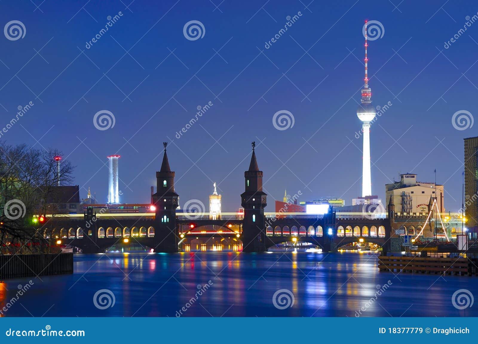 башня tv oberbaum моста berlin
