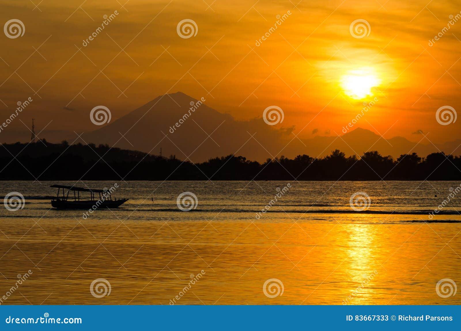Балийский заход солнца