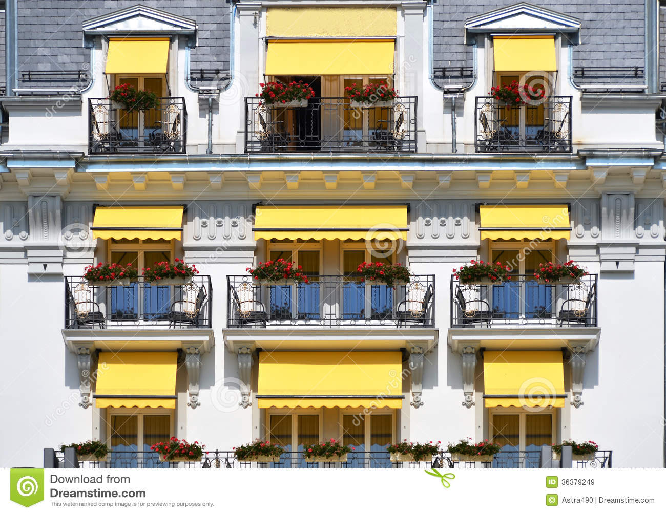 """balcony of a luxury hotel"" stok gorseller ve telifsiz gorse."