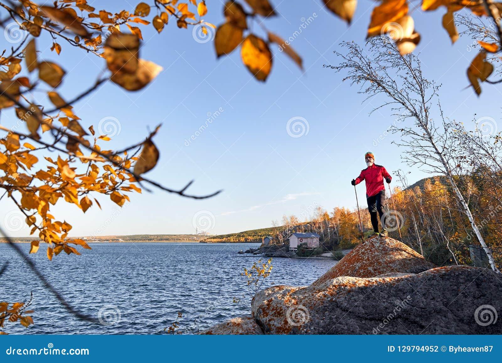 Бегун на озере