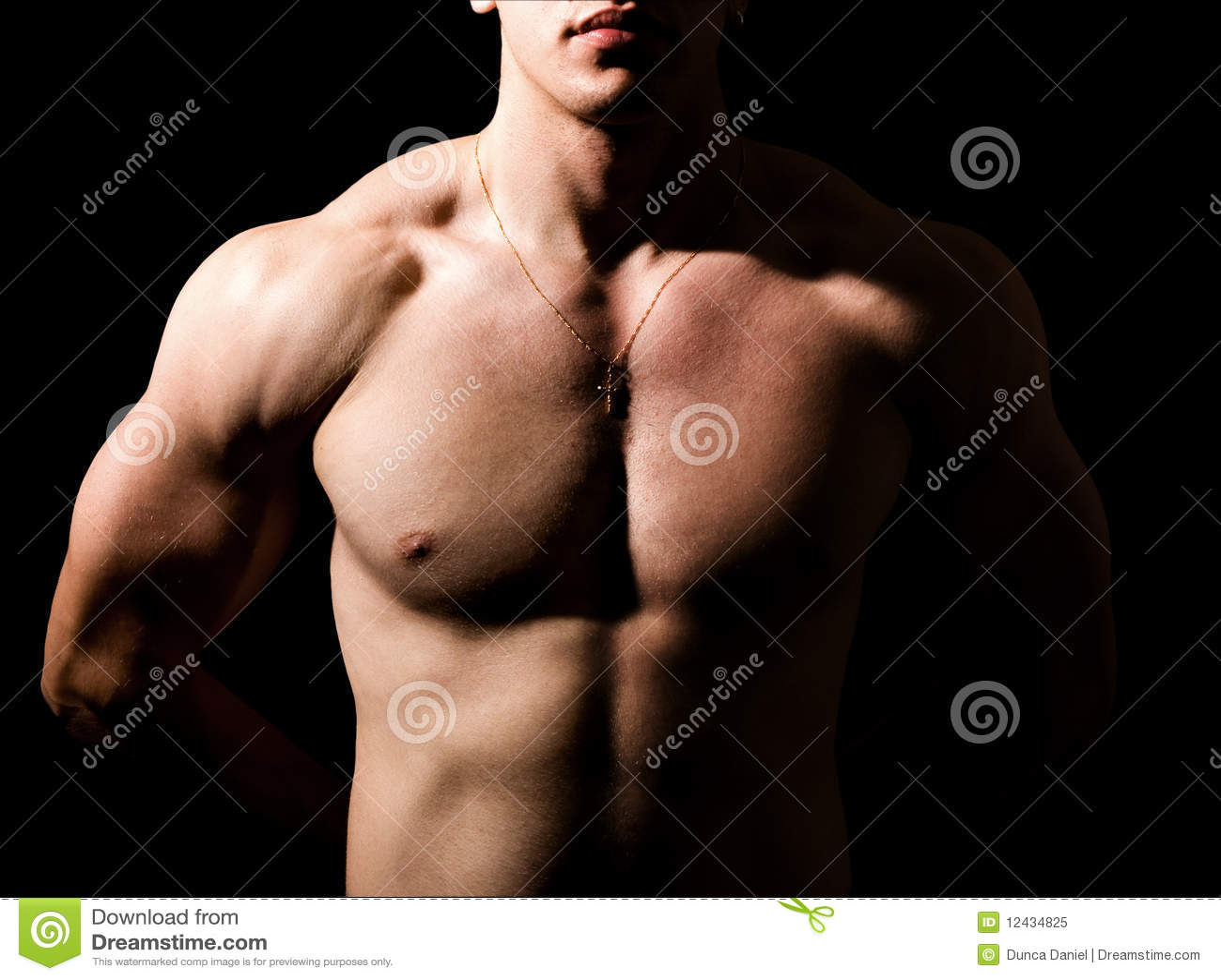 без рубашки темного человека тела мышечное сексуальное