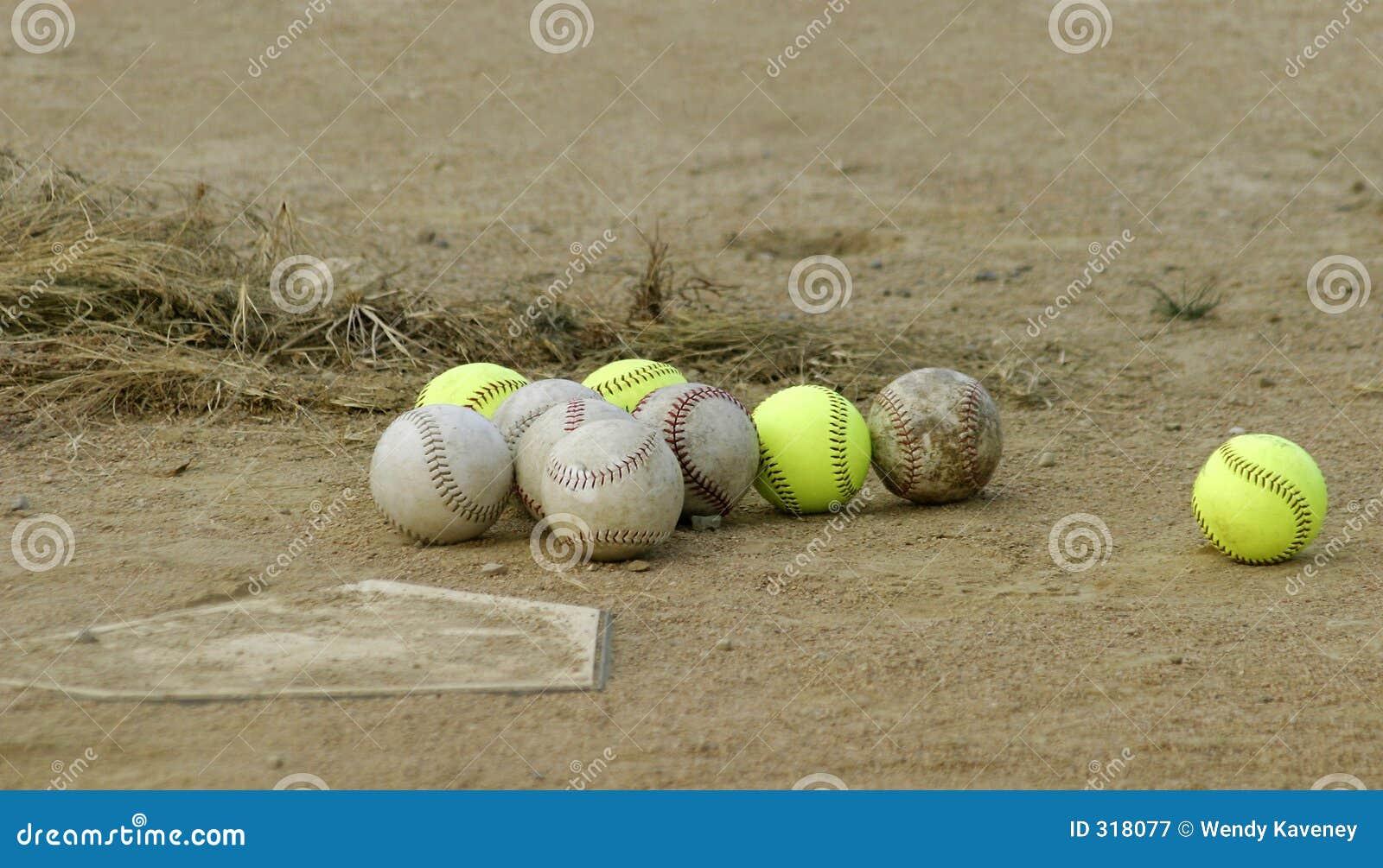 бейсболы