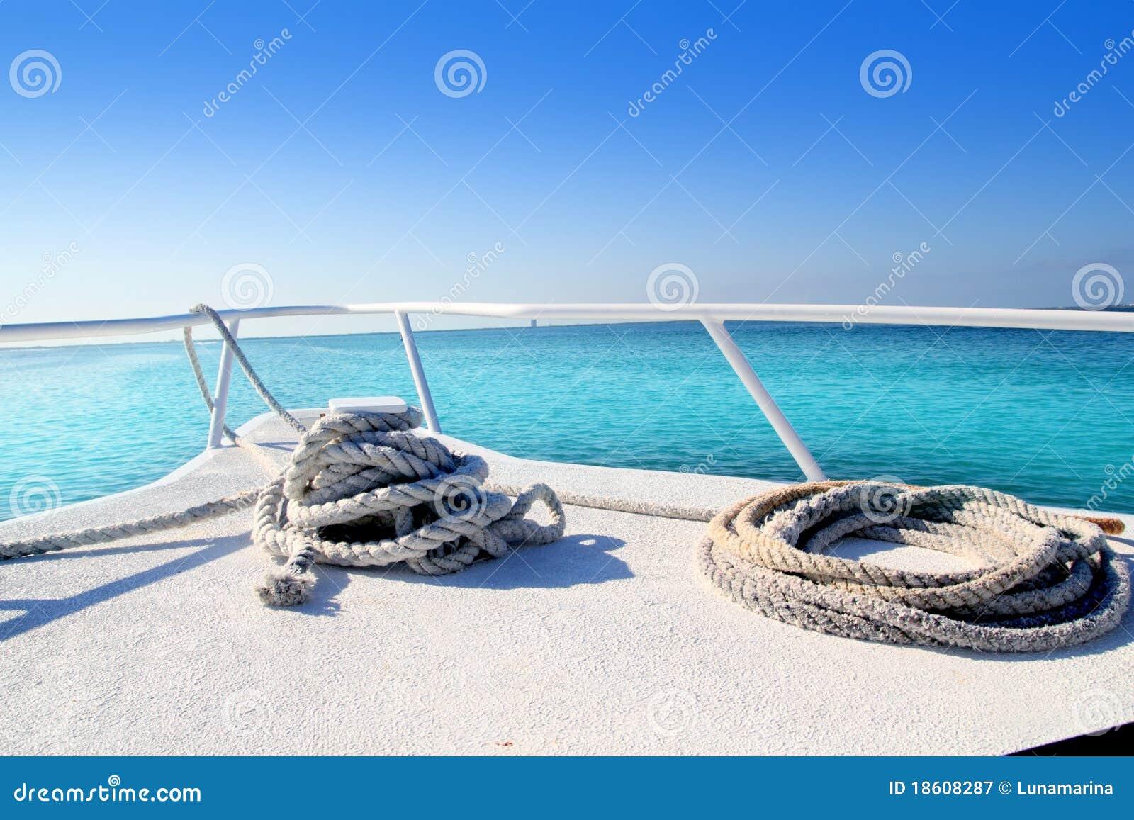 белизна карибского моря смычка шлюпки тропическая