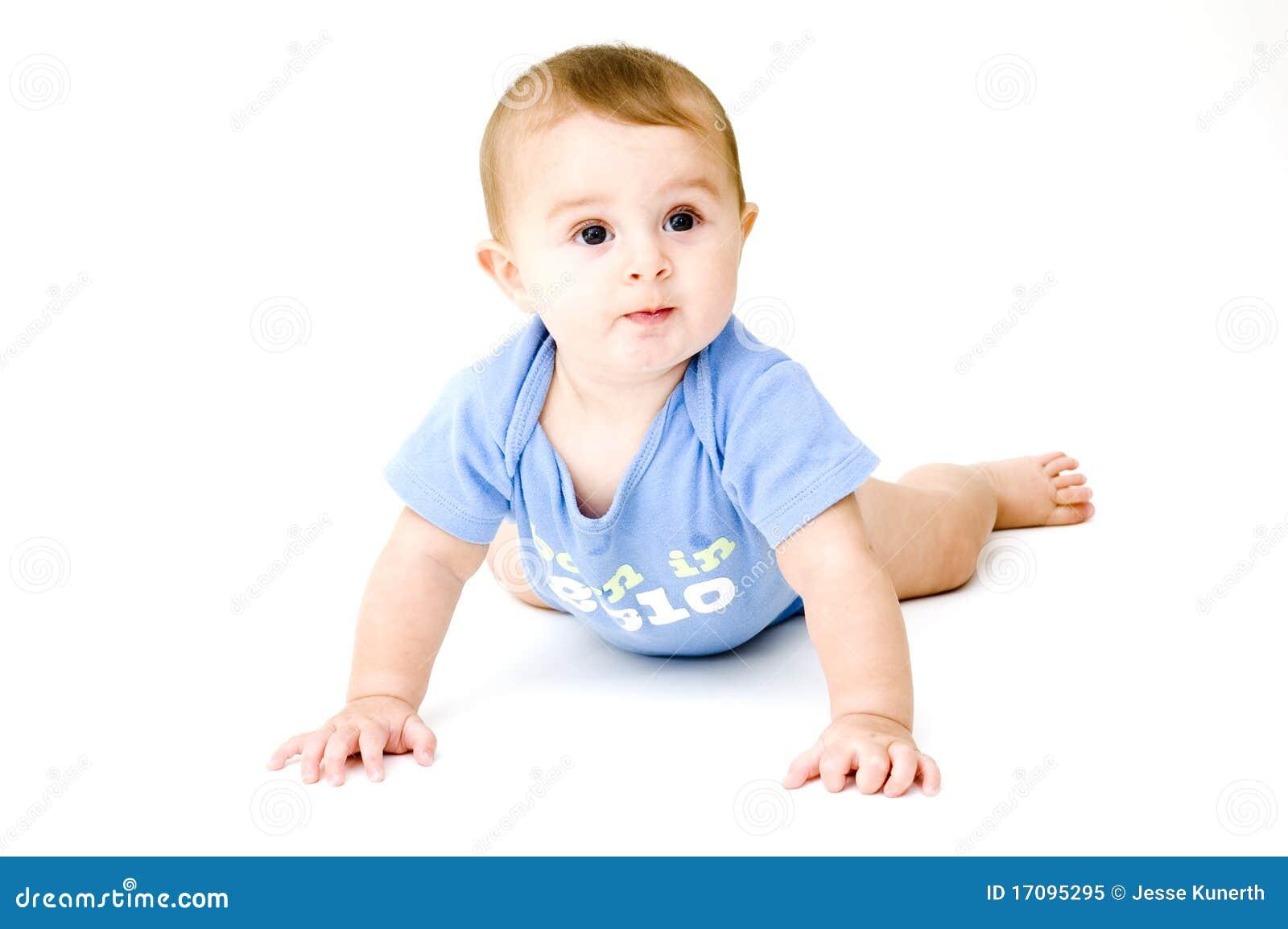 белизна младенца вползая изолированная