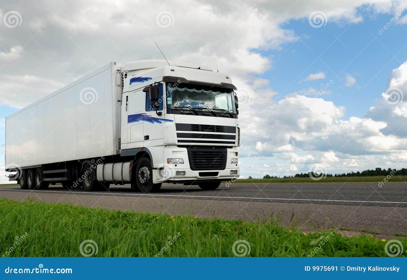 белизна трейлера грузовика