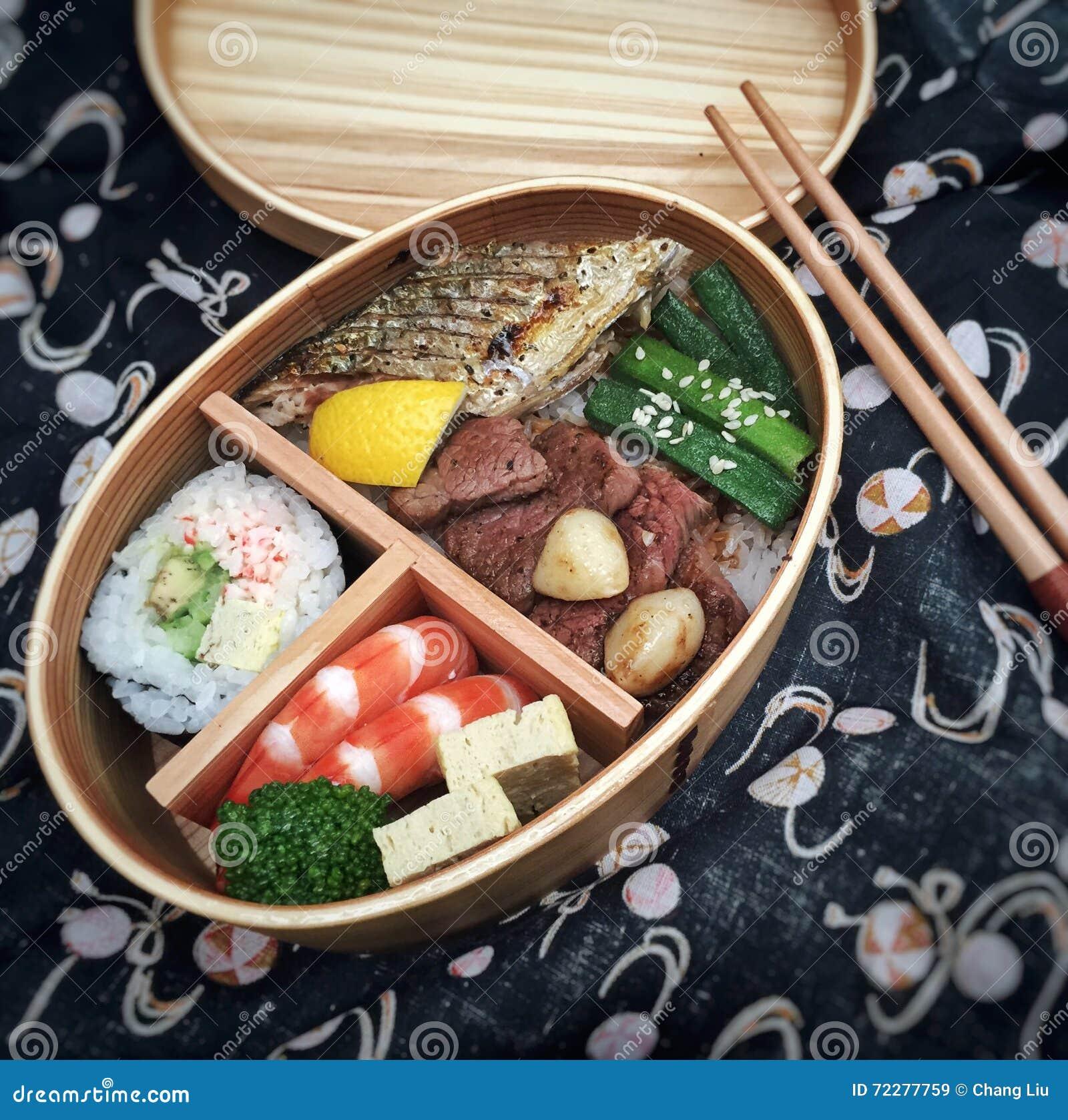Бенто японца удобное