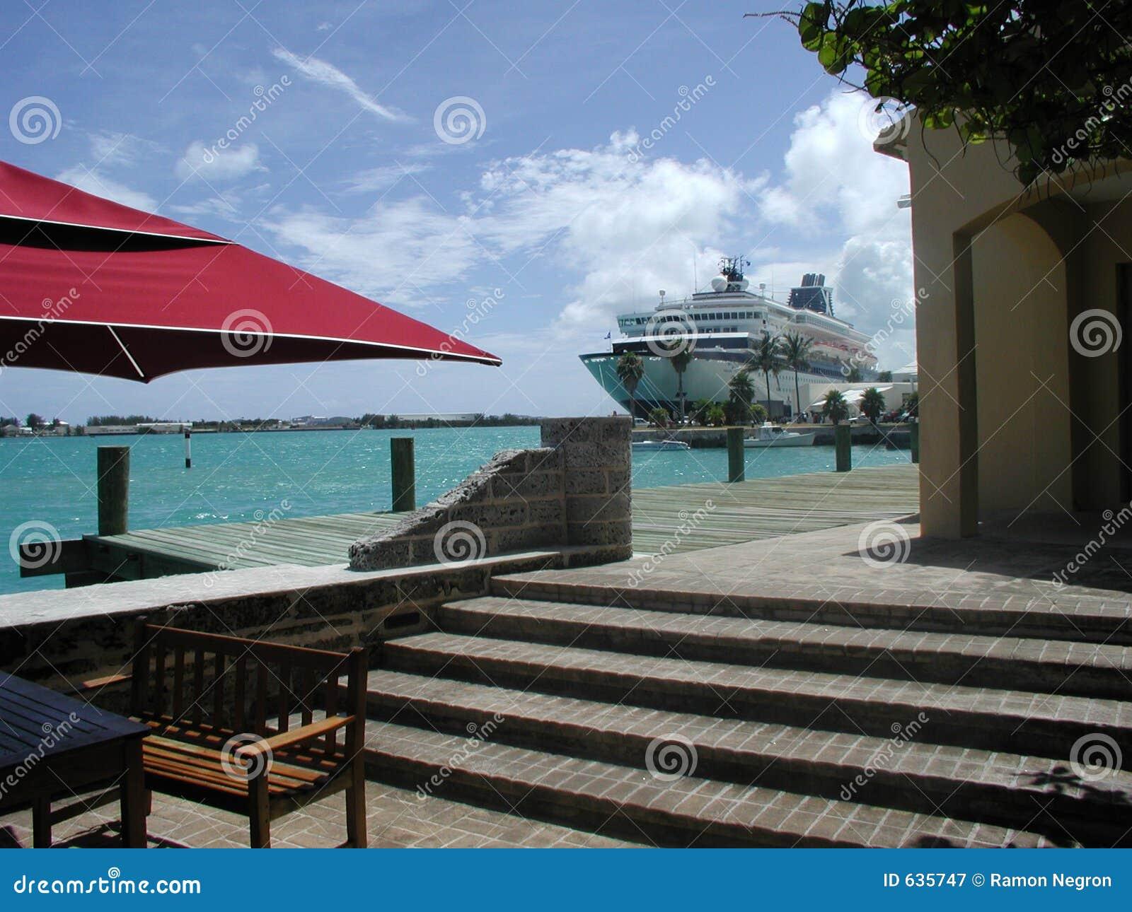 Download Бермудские островы стоковое изображение. изображение насчитывающей круиз - 635747