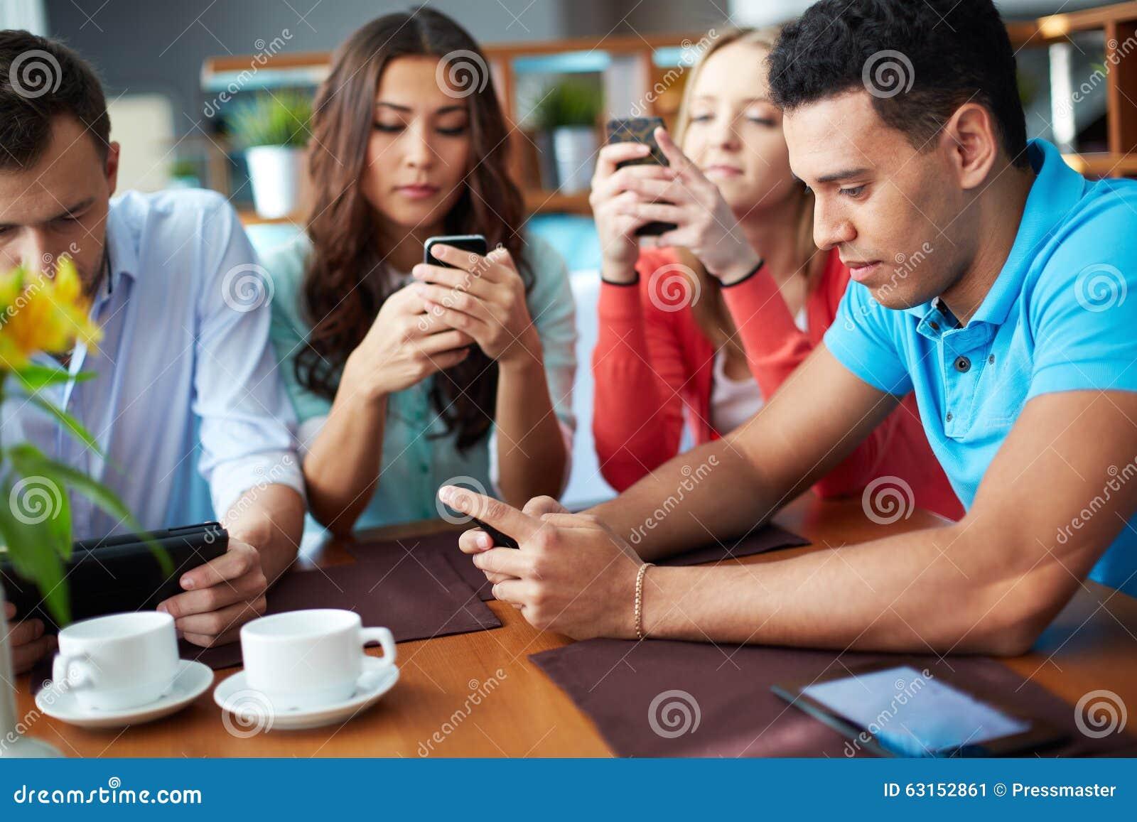 Беседовать в smartphones