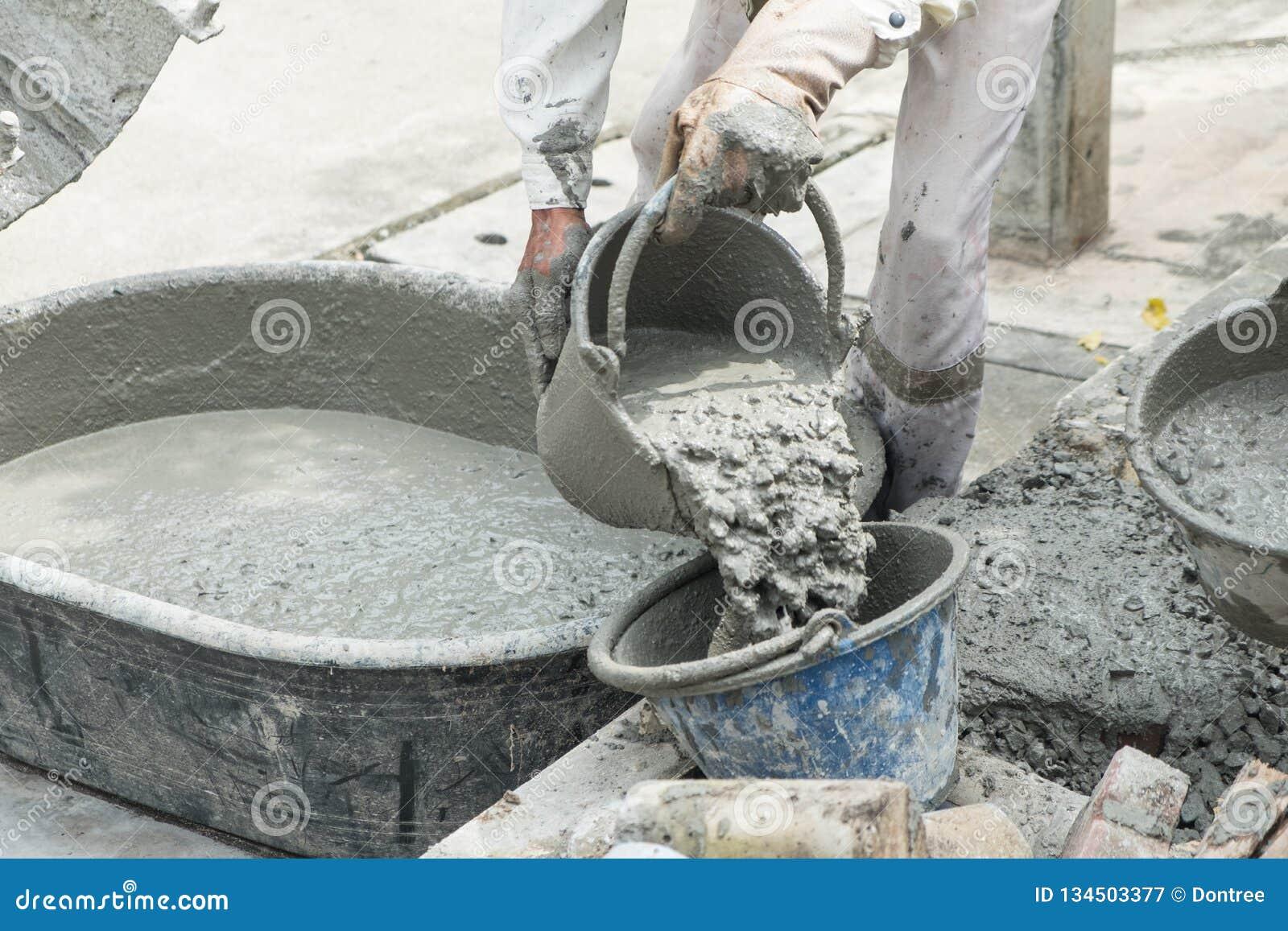 Смешивают бетон вибронасадка для уплотнения бетона купить