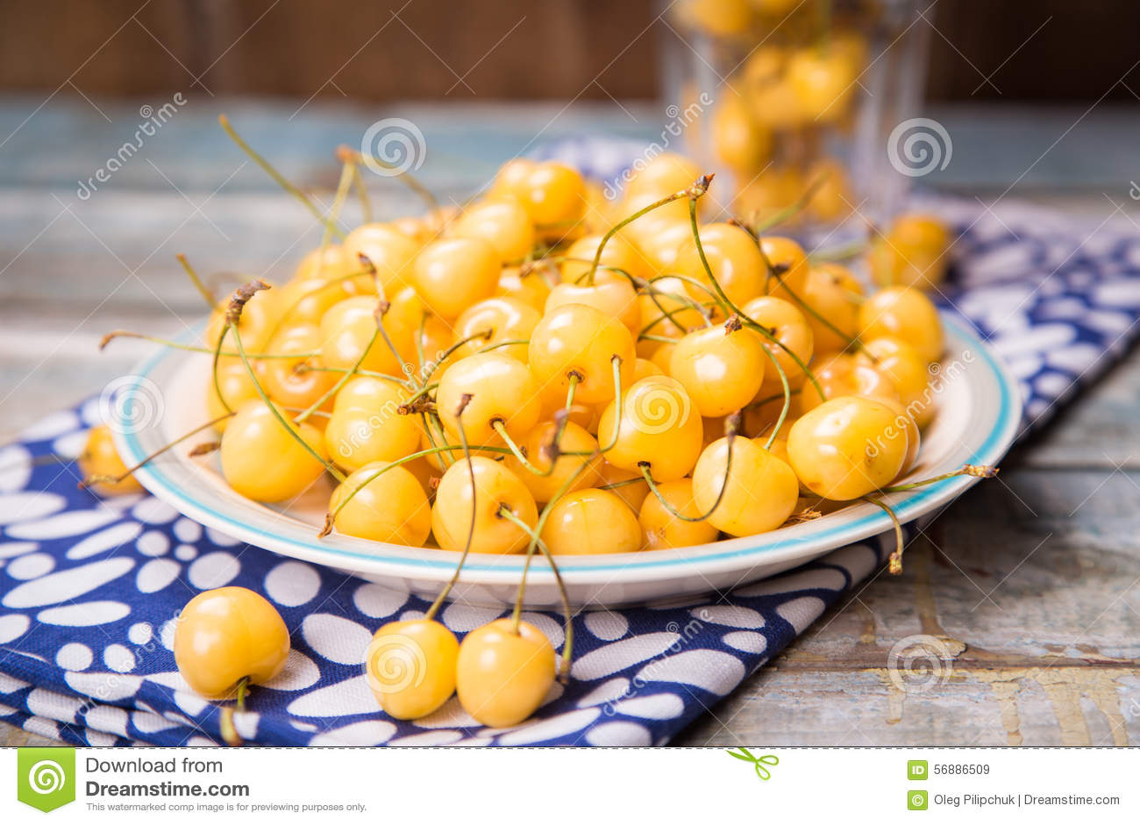 белизна изоляции вишни сладостная