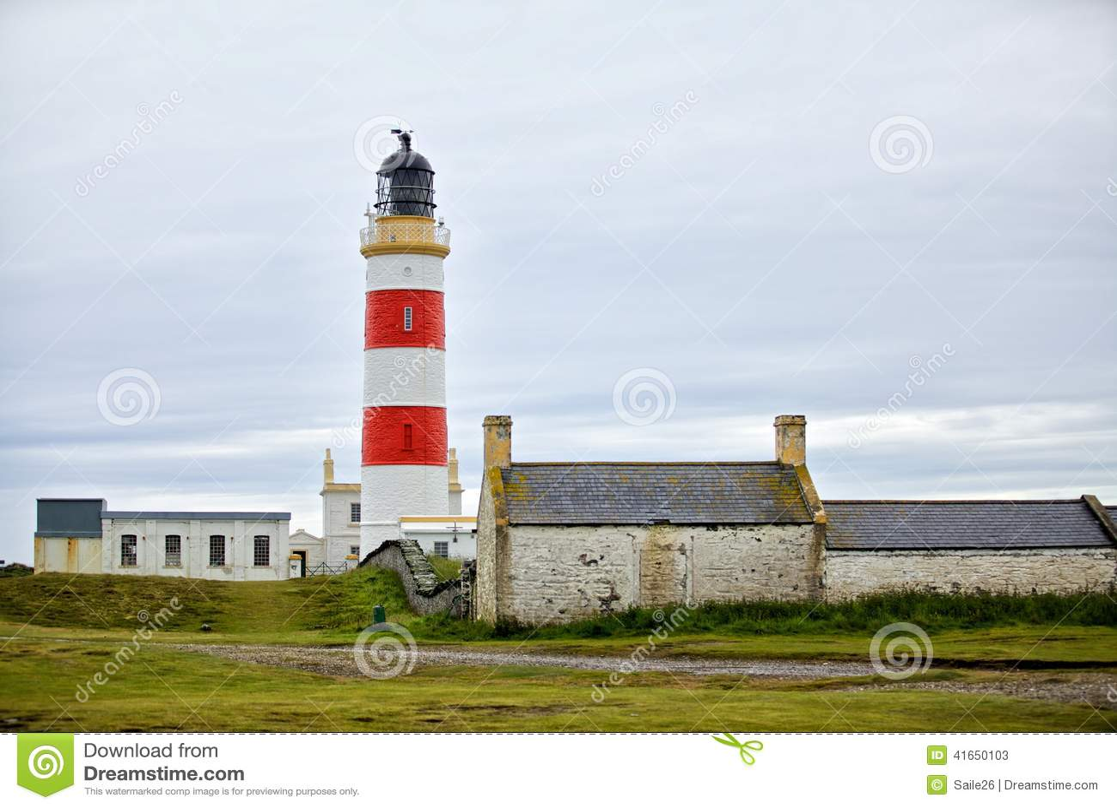 Белый красный маяк
