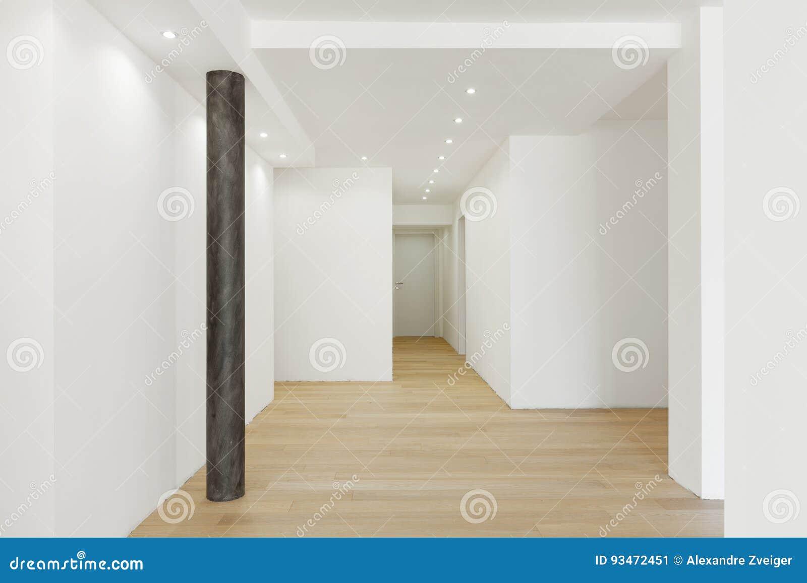 Белый пустой коридор Там ` s только штендер
