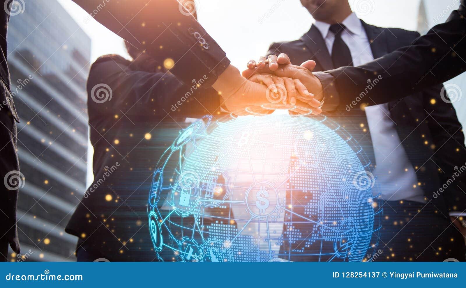 бизнесмены закрывают руки трястия вверх Глобальная вычислительная сеть и worl