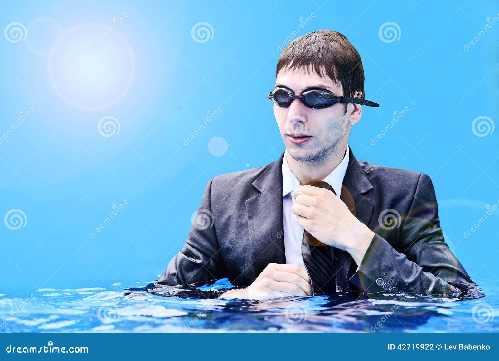 Бизнесмен в воде не быть последний для встречи