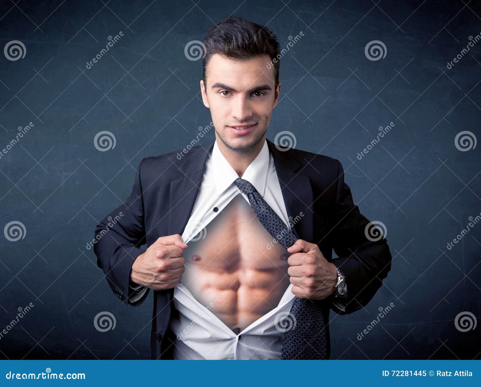 Download Бизнесмен срывая с рубашки и показывая Mucular тело Стоковое Изображение - изображение насчитывающей costume, хорошо: 72281445