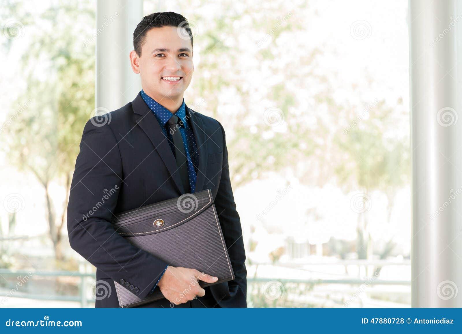 Бизнесмен с портфолио