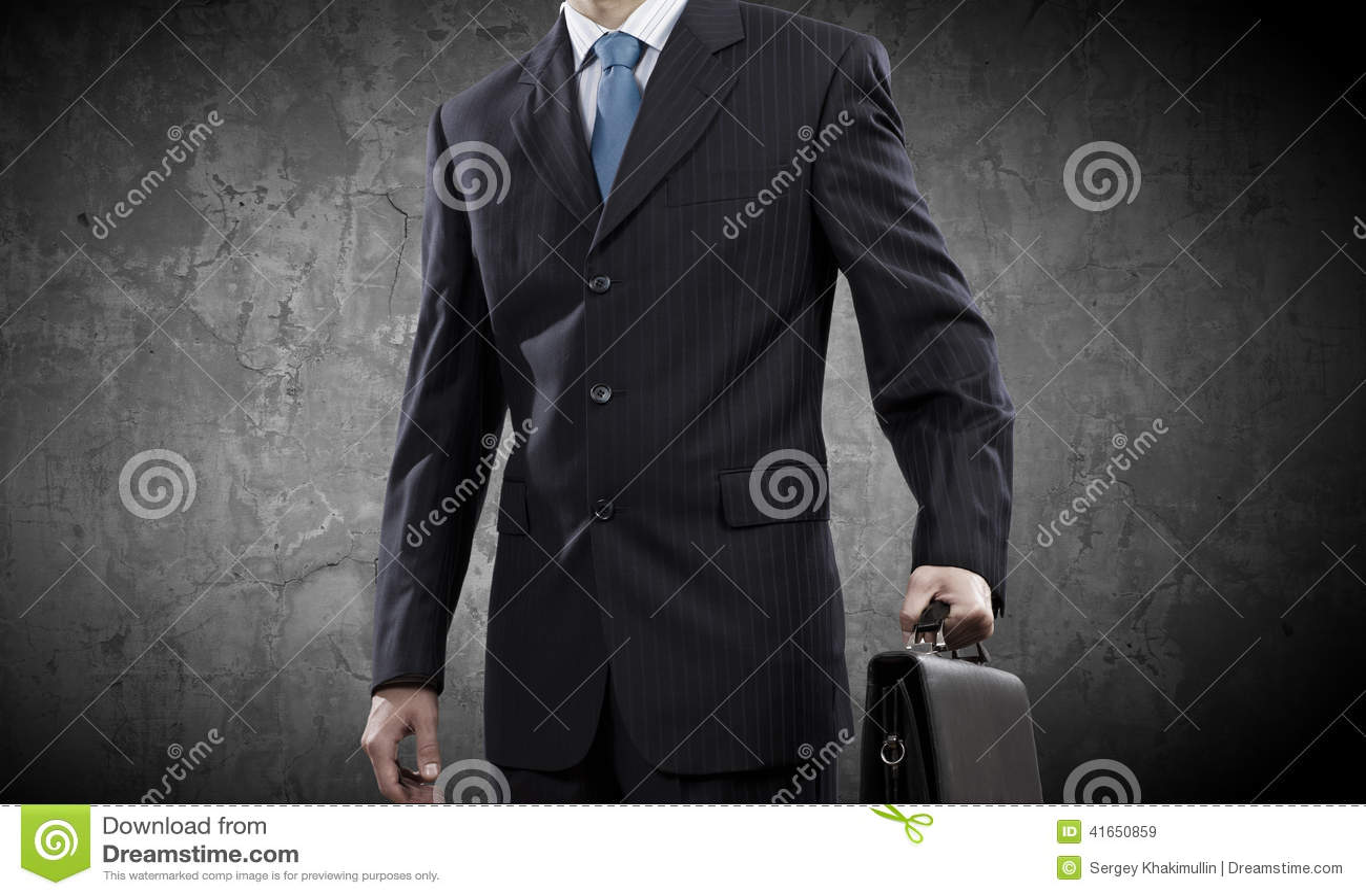 бизнесмен уверенно