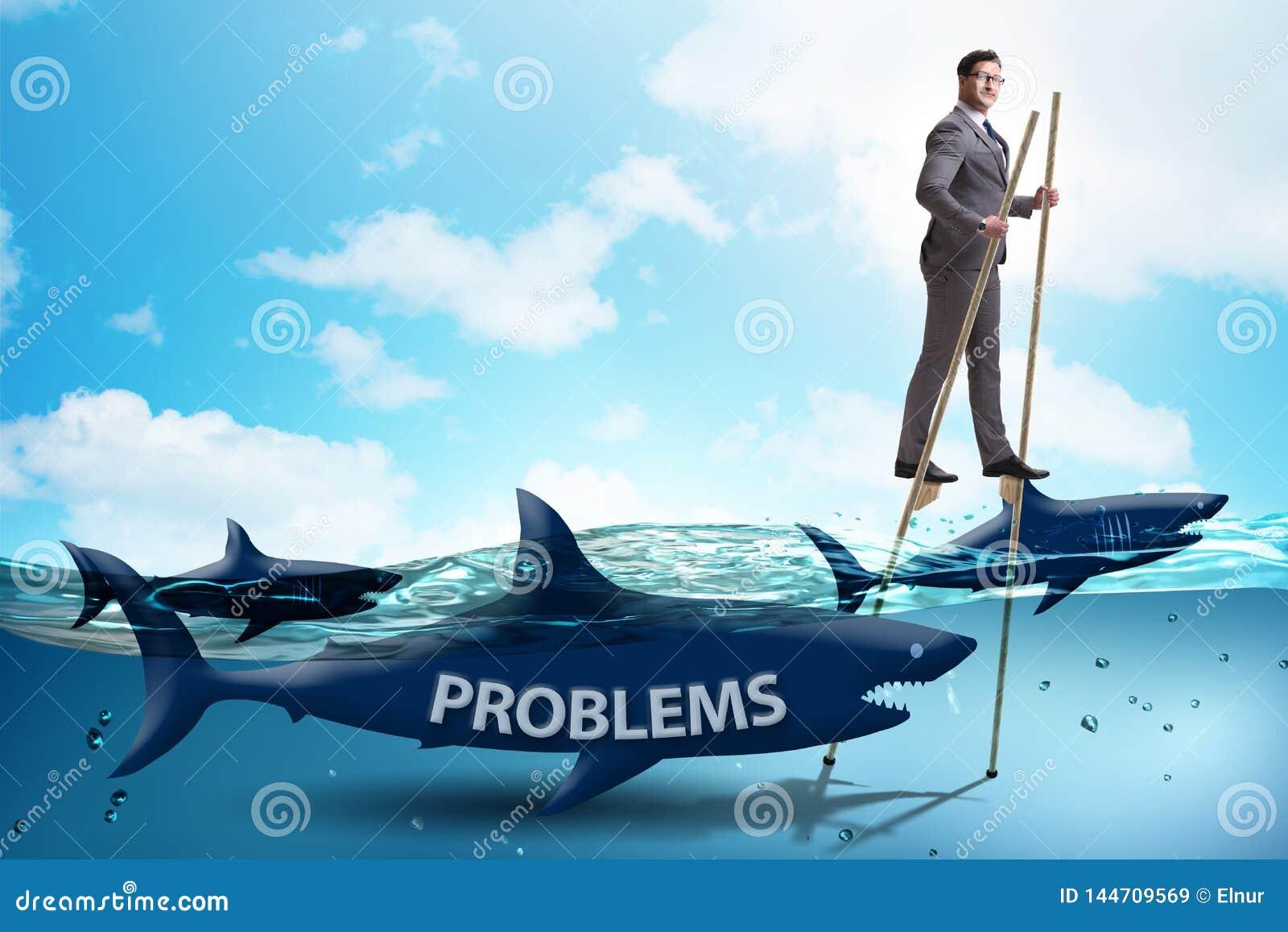Бизнесмен успешно общаясь с его проблемами