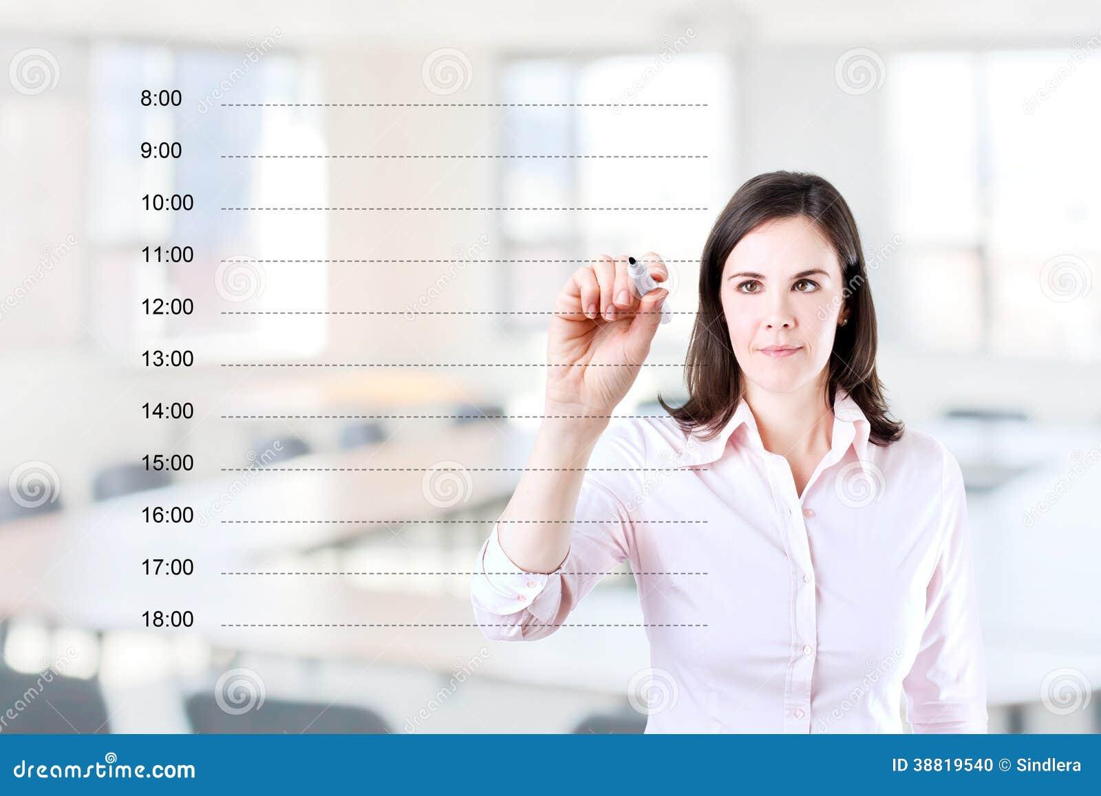 Бизнес-леди писать пустой план-график назначения