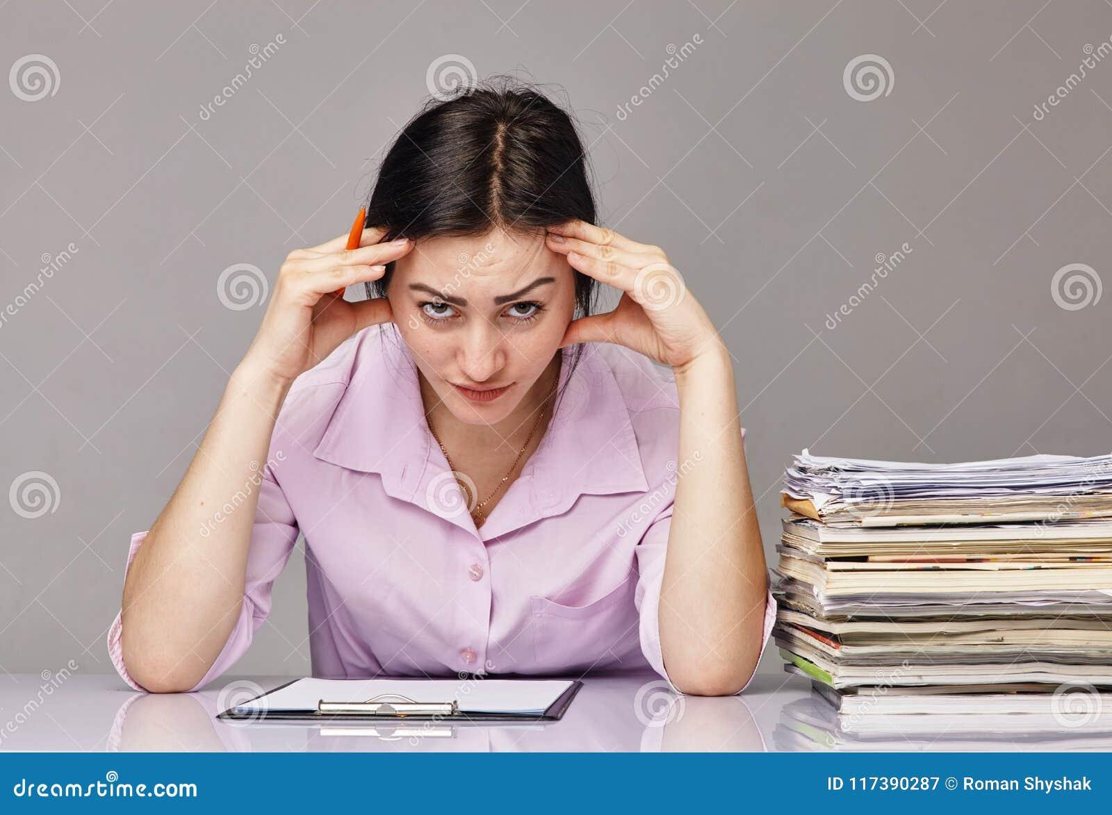 Фото бизнес-леди на работе, молодая попка тани порно видео