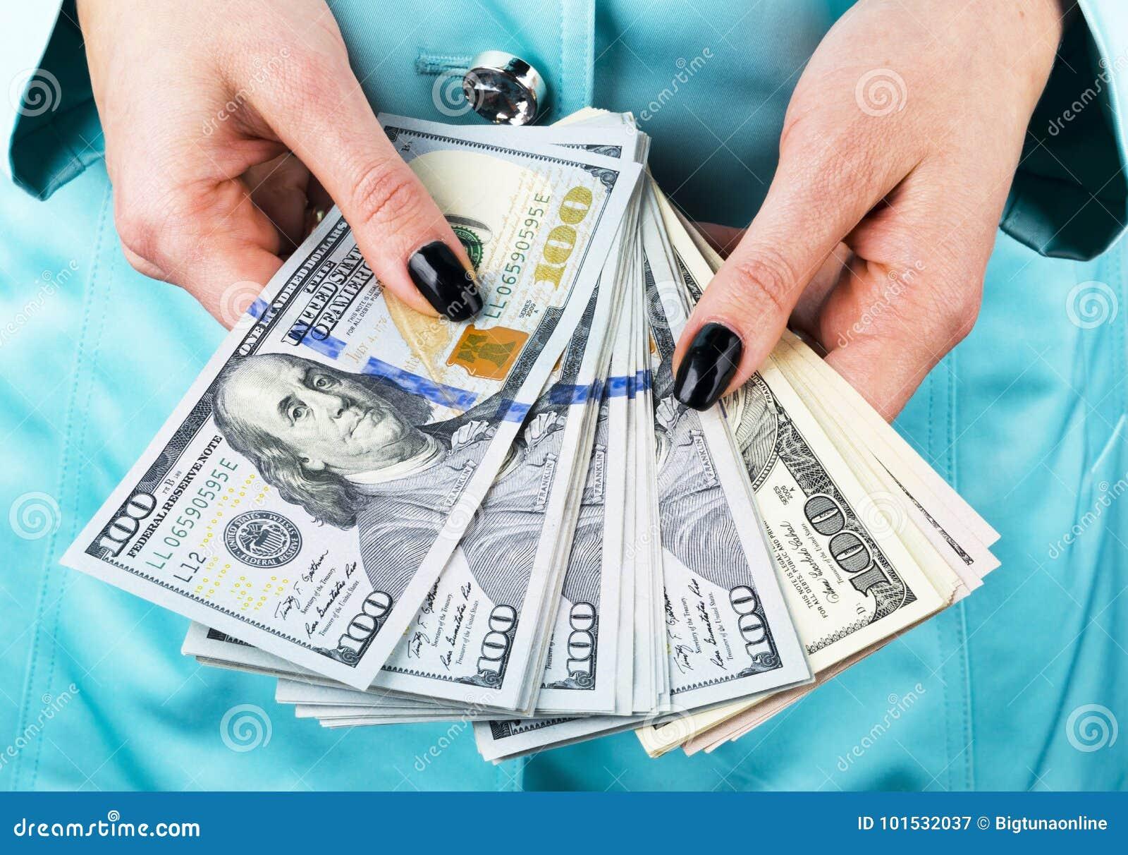 кредит деньги в руки