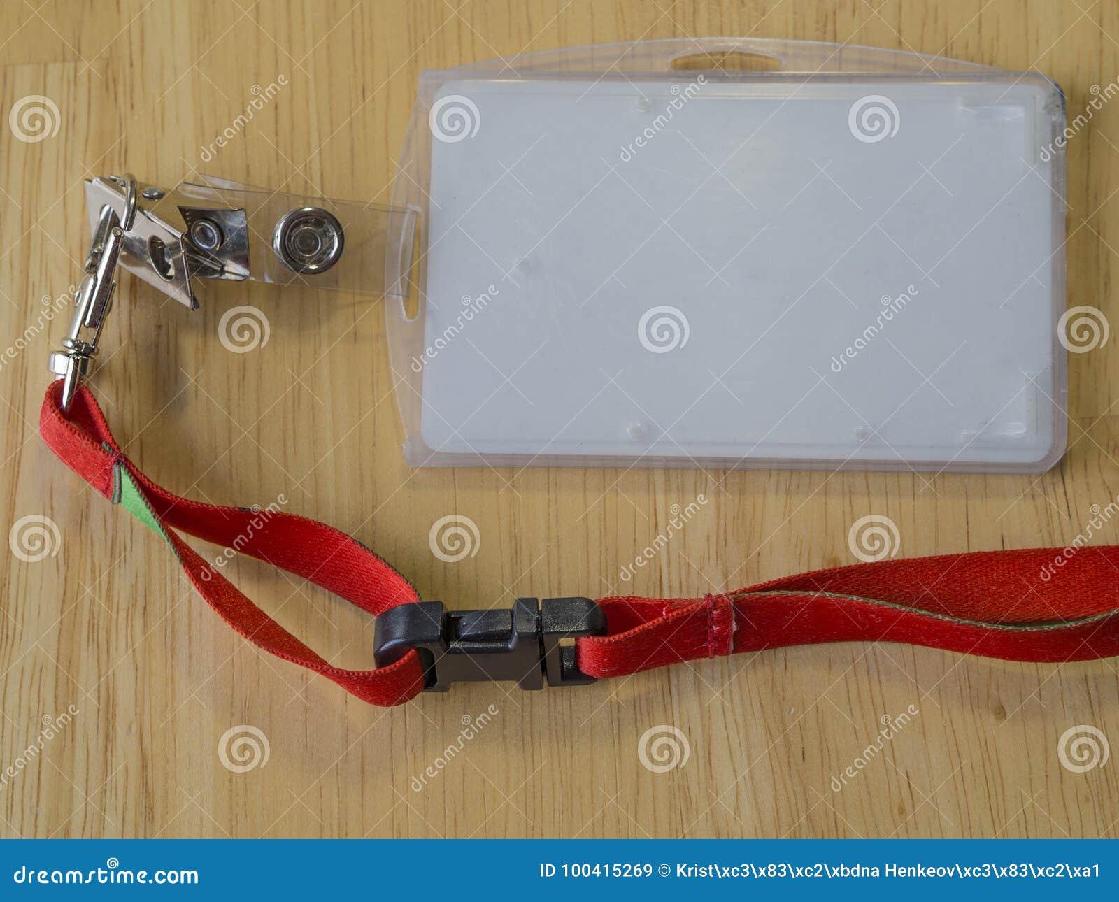 Бирка имени удостоверения личности компании пустая белая в пластмассе с