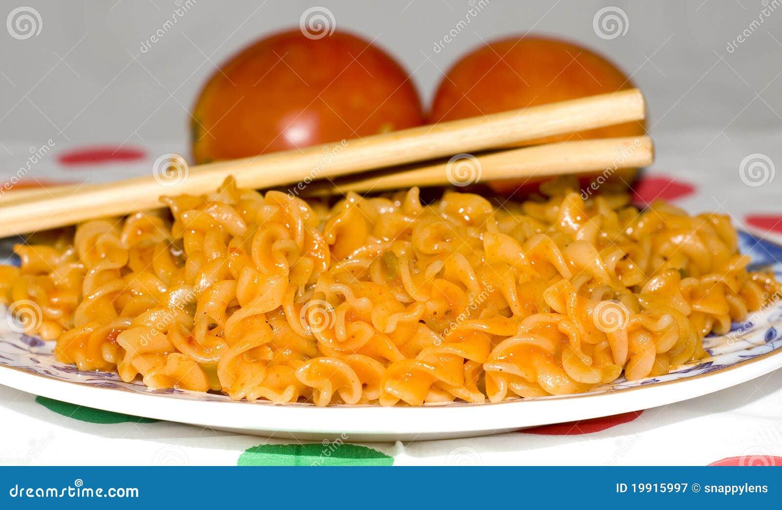 близкие макаронные изделия вверх по veg