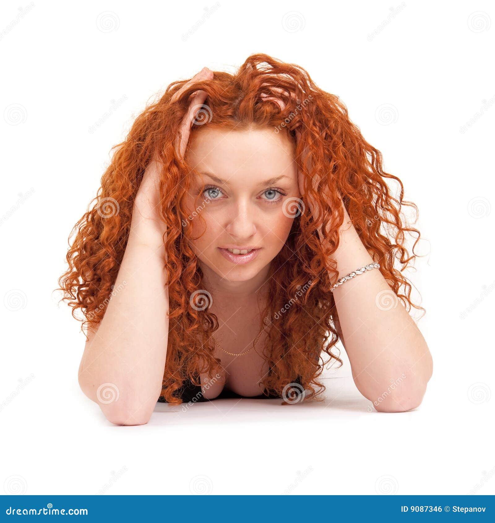 близкий с волосами красный цвет вверх по женщине