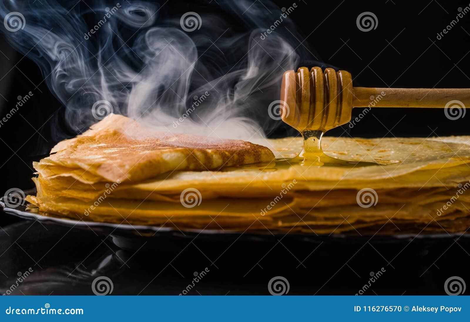 Блинчики блинчики утончают Русское bliny maslenitsa, blini, завтрак, crepe, мед, печенье, стог, блинчик, русский, предпосылка, c