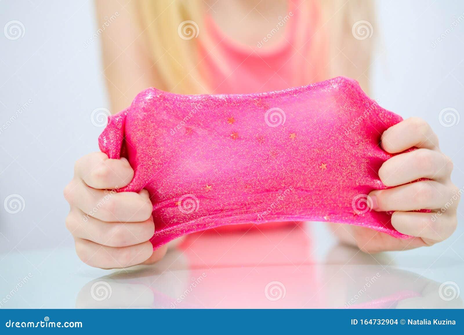 Молодая Красотка Играет С Розовой Игрушкой