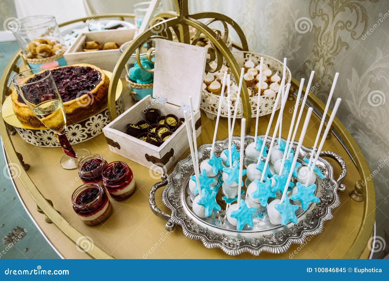 Богатый тематический wedding шоколадный батончик, высокое разнообразие помадок