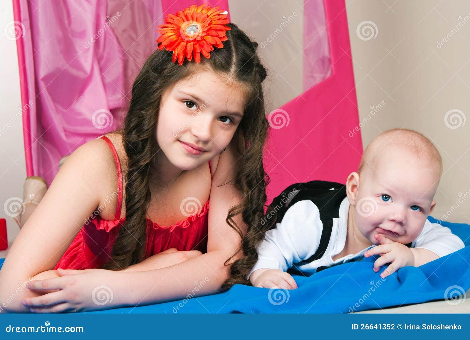 Русское брат кончил в сестру, Брат зашёл к сестре))) смотреть онлайн видео брат 18 фотография