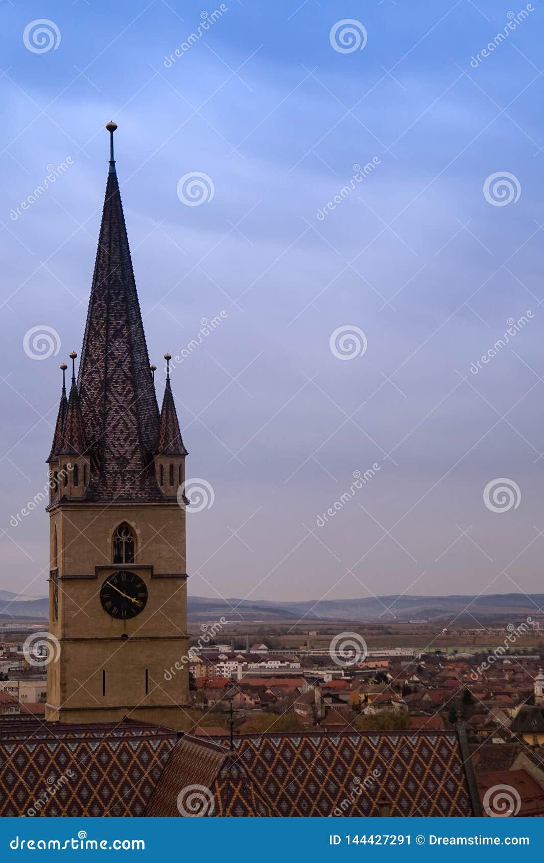 Большая башня с часами