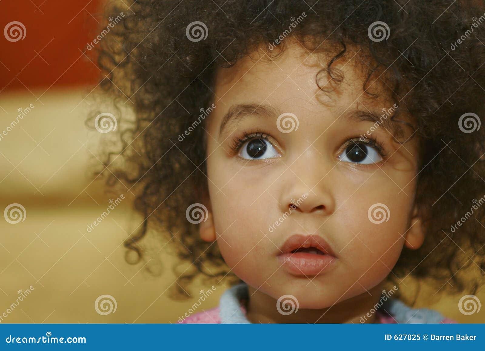 Download большие коричневые глаза стоковое изображение. изображение насчитывающей сжимать - 627025