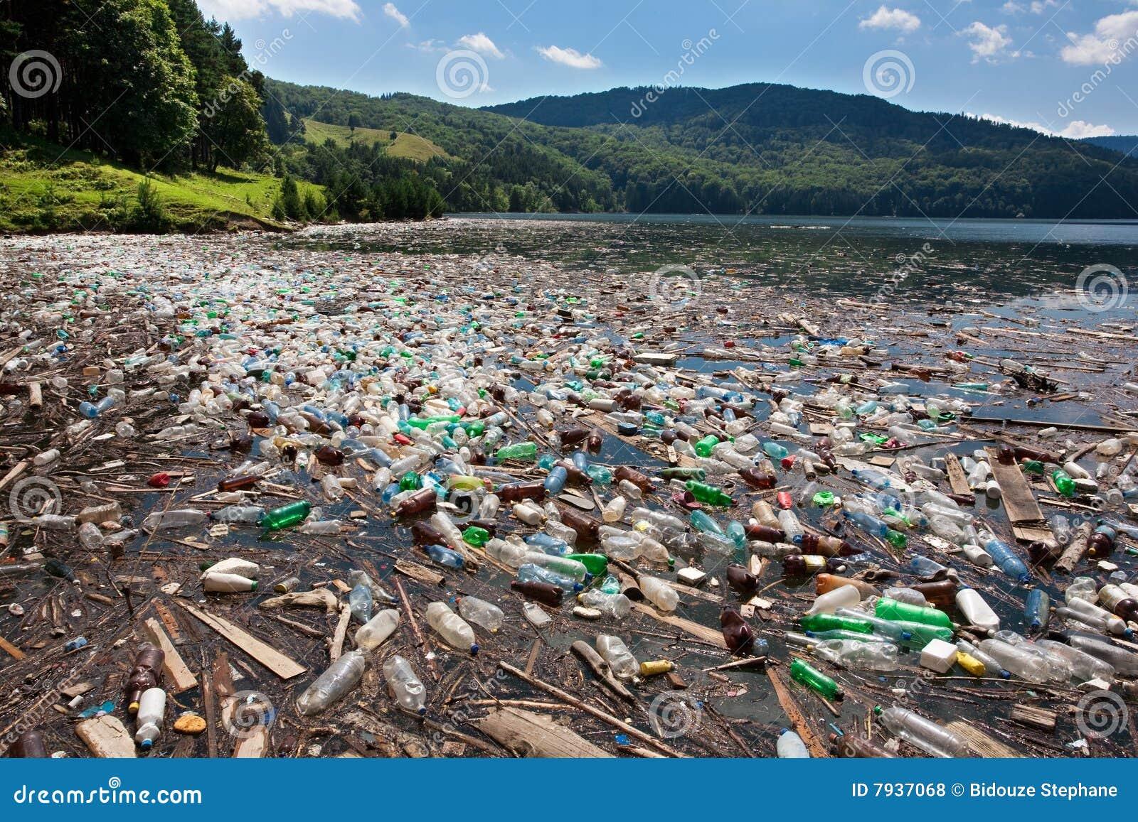 большое пластичное загрязнение